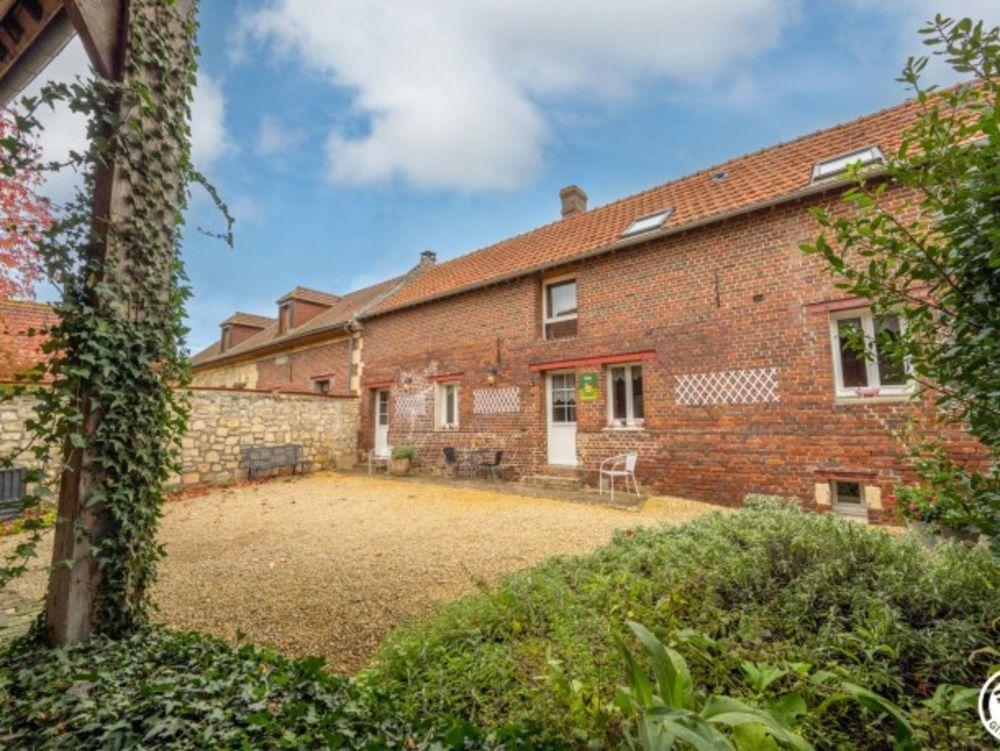 maison 11 personnes Télévision - Terrasse - place de parking en extérieur - Lave vaisselle - Lave linge . . . Picardie, Ville (60400)