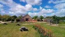Huttopia Saumur - Chalet Evasion Piscine couverte - Piscine collective - Terrasse - Club enfants - Accès Internet . . . Pays de la Loire, Saumur (49400)