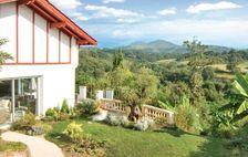 Location prestige avec piscine privée Piscine privée - Alimentation < 2 km - Télévision - Terrasse - Vue montagne . . . Aquitaine, Saint-Pée-sur-Nivelle (64310)