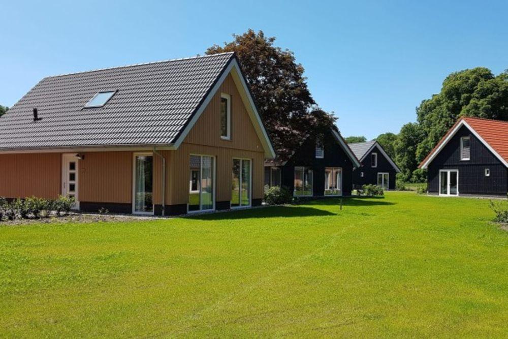 Villapark Ehzerburg 1 Centre ville < 1 km - Télévision - Terrasse - place de parking en extérieur - Lave vaisselle . . . Basse-Normandie, Almenêches (61570)