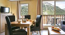 Les Terrasses d'Isola - 3 pièces 6 personnes famille Piscine couverte - Bain à remous - Hammam - Centre ville < 500 m - Télévisi Provence-Alpes-Côte d'Azur, Isola (06420)