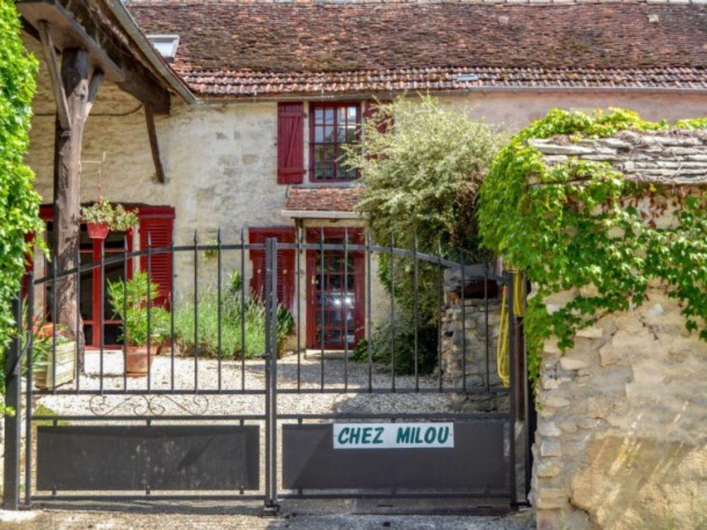 Chez Milou Terrasse - place de parking en extérieur - Lave vaisselle - Lave linge - Accès Internet . . . Bourgogne, Tanlay (89430)