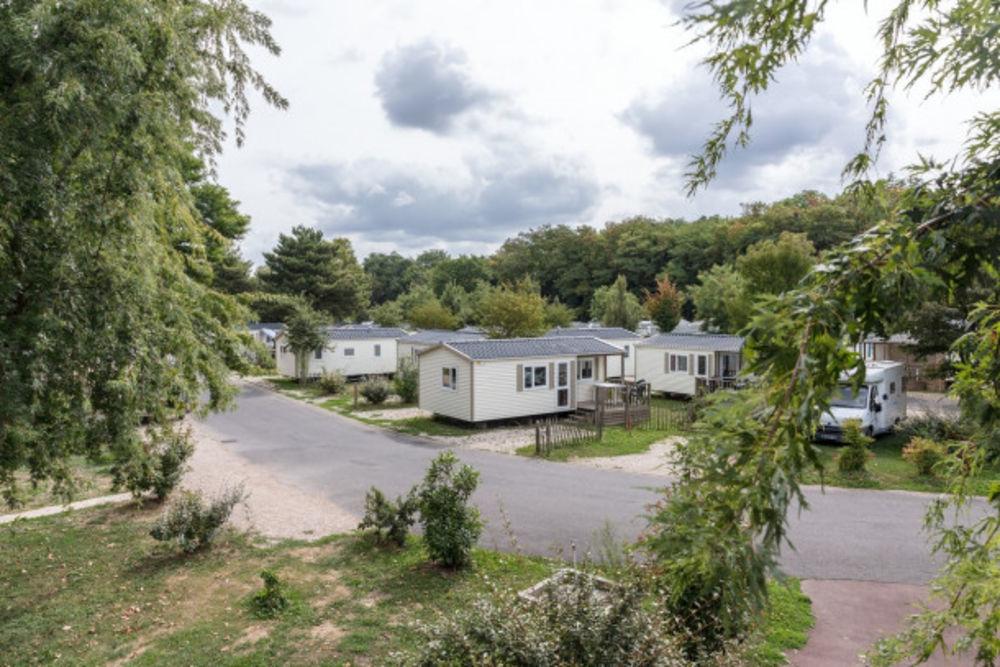 Camping Paris Est 4* -Villa avec TV 4 Pers. Télévision - Terrasse - Lit bébé . . . Île-de-France, Champigny-sur-Marne (94500)