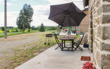 Télévision - Terrasse - place de parking en extérieur - Table et chaises de jardin - Lit bébé . . . Bretagne, Villamée (35420)
