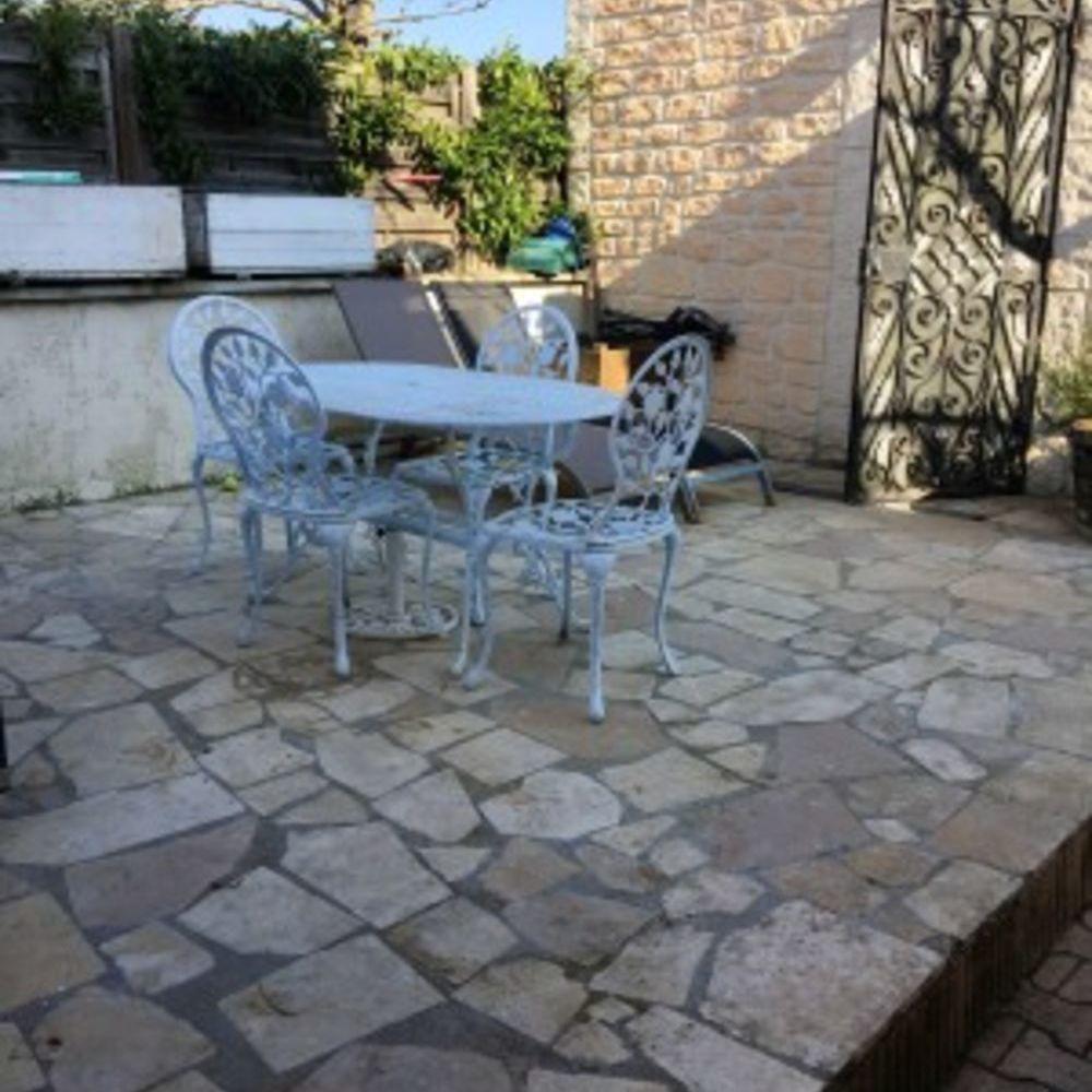 Exceptionnel studio avec jardin Télévision - Terrasse - place de parking en extérieur - Accès Internet - Jardin clos . . . Bourgogne, Beaune (21200)