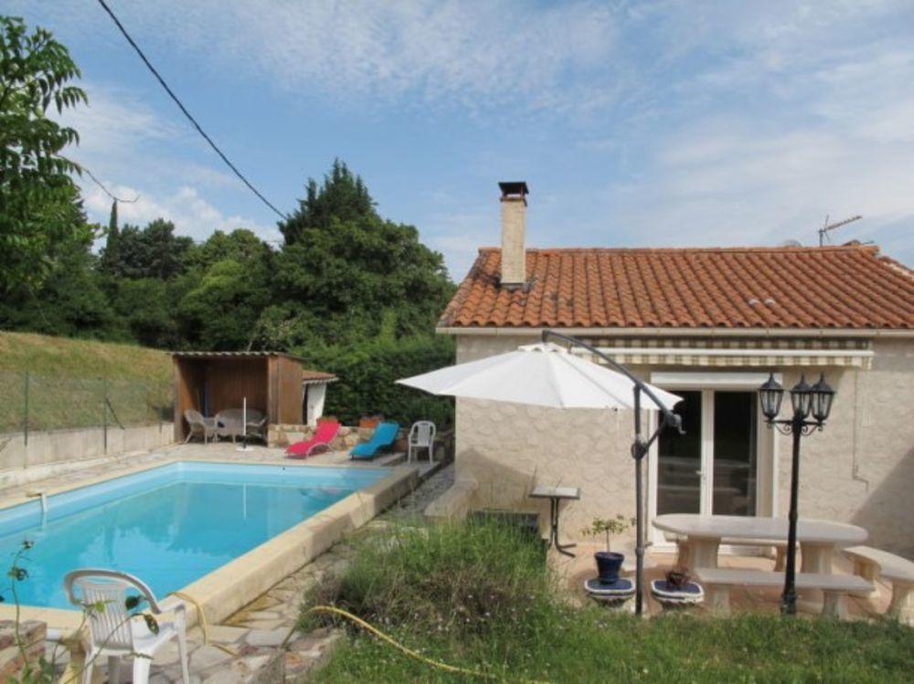 La Maison Bleue (STP120) Piscine privée - Télévision - Terrasse - place de parking en extérieur - Lave vaisselle . . . Provence-Alpes-Côte d'Azur, Saint-Paul-en-Forêt (83440)