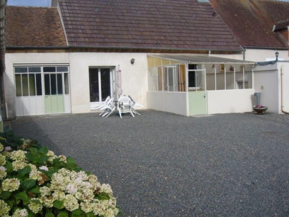 maison 5 personnes Télévision - Terrasse - place de parking en extérieur - Lave vaisselle - Lave linge . . . Centre, Courcy-aux-Loges (45300)