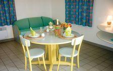 Piscine collective - Alimentation < 2 km - Télévision - Terrasse - Lave vaisselle . . . Pays de la Loire, Le Fuilet (49270)
