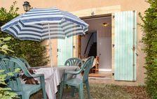 Piscine collective - Terrasse - Table et chaises de jardin . . . Aquitaine, Limeuil (24510)