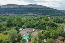 Camping le Verger de Jastres - Chalet TITOM 1/5 pers. Piscine collective - Terrasse - Accès Internet - Jeux jardin . . . Rhône-Alpes, Saint-Didier-sous-Aubenas (07200)