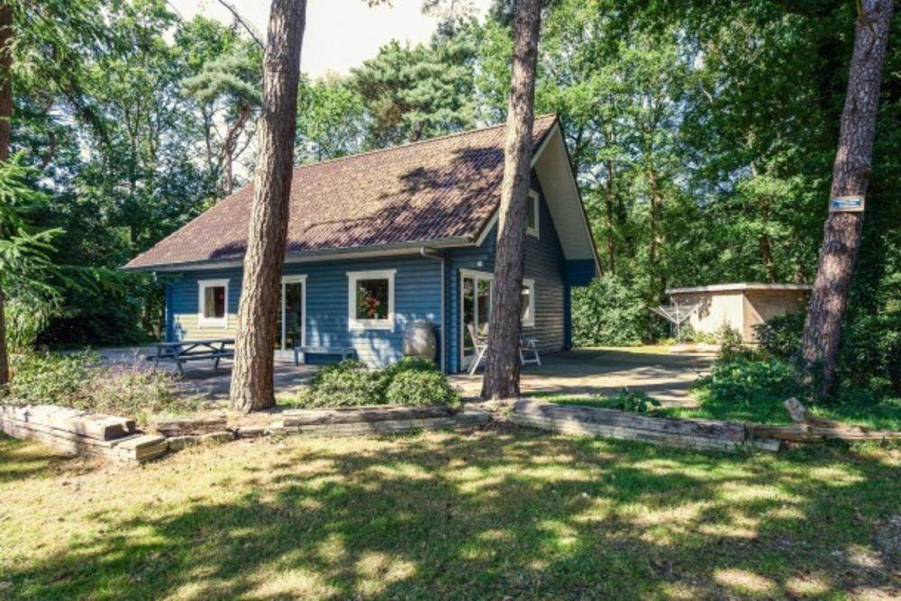 l'Oiseau Bleu Sauna - Alimentation < 1 km - Centre ville < 2 km - Télévision - Terrasse . . . Bourgogne, Norges-la-Ville (21490)