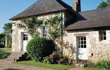 Télévision - Terrasse - place de parking en extérieur - Lave vaisselle - Lave linge . . . Pays de la Loire, Breil (49490)