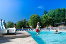 Camping Les Portes Du Beaujolais - Mobilhome Super Mercure - 27 m² - terrasse (2 chambres) Terrasse - Accès Internet - Jeux jard Rhône-Alpes, Anse (69480)