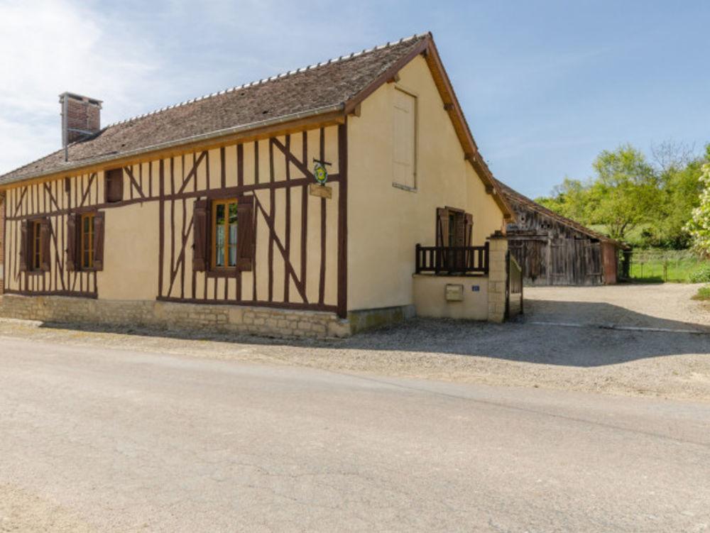 maison 6 personnes Télévision - Terrasse - place de parking en extérieur - Lave vaisselle - Lave linge . . . Champagne-Ardenne, Piney (10220)