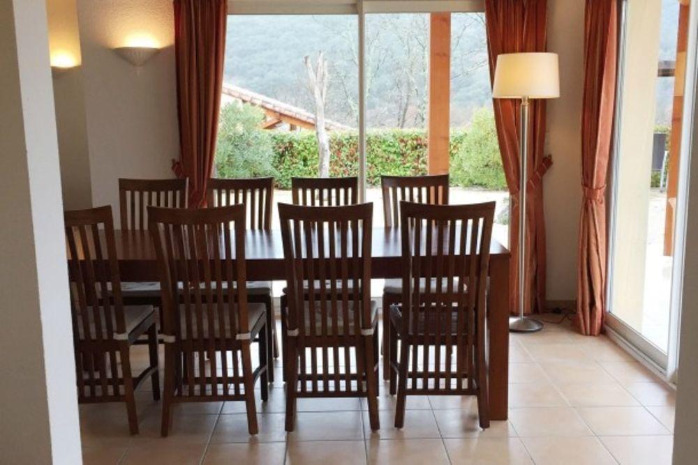 Villa Vallon Pont d'Arc Piscine collective - Télévision - Terrasse - place de parking en extérieur - Lave vaisselle . . . Rhône-Alpes, Vallon-Pont-d'Arc (07150)