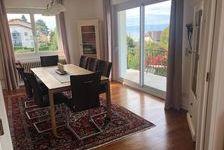 Magnifique appartement de type 4 d'une surface de 94 m² situé dans une maison sécurisée au bord du lac proche toutes commodités. 1850 Évian-les-Bains (74500)