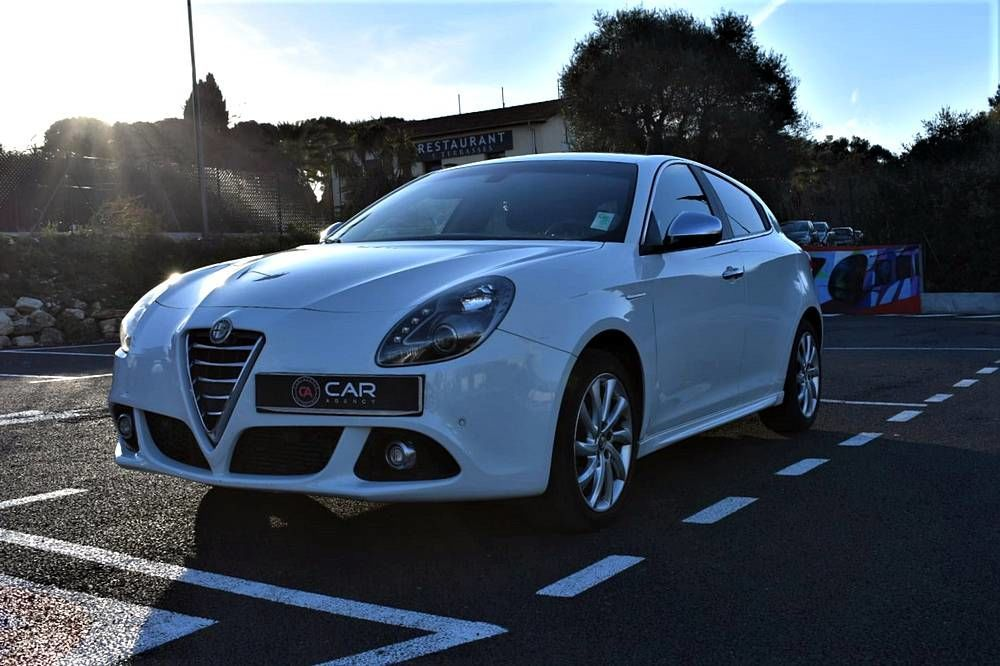 Giulietta Alfa Romeo Exclusive 2.0 150 Ch ! GARANTIE 2014 occasion 06600 Antibes