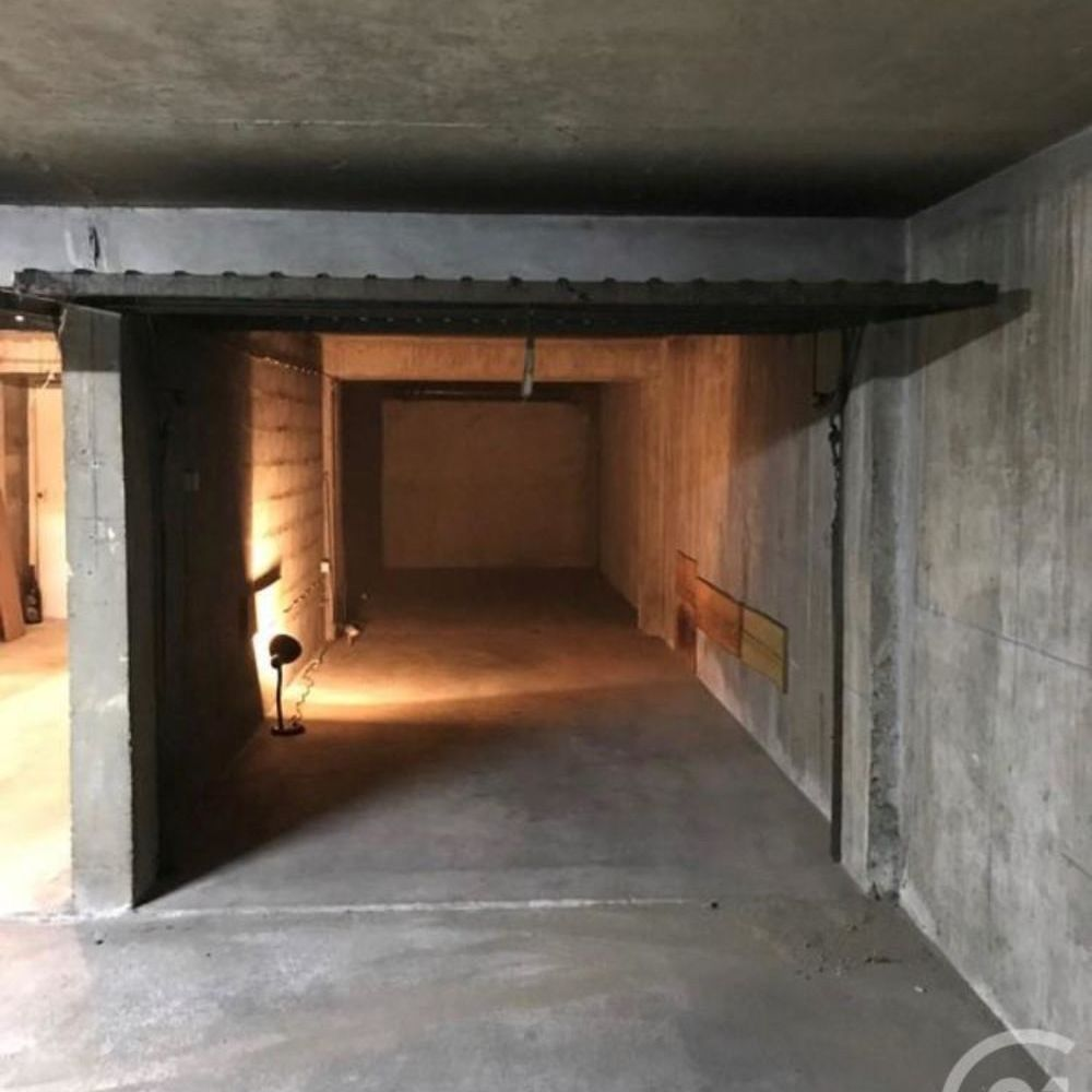 location Parking / Garage - 36 m² Fontainebleau (77300)