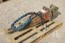 Excavator Attachments  (enchère : 25/09/2018) 1 27600 Saint-Aubin-sur-Gaillon
