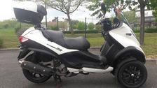Scooter PIAGGIO 3800 69400 Gleizé