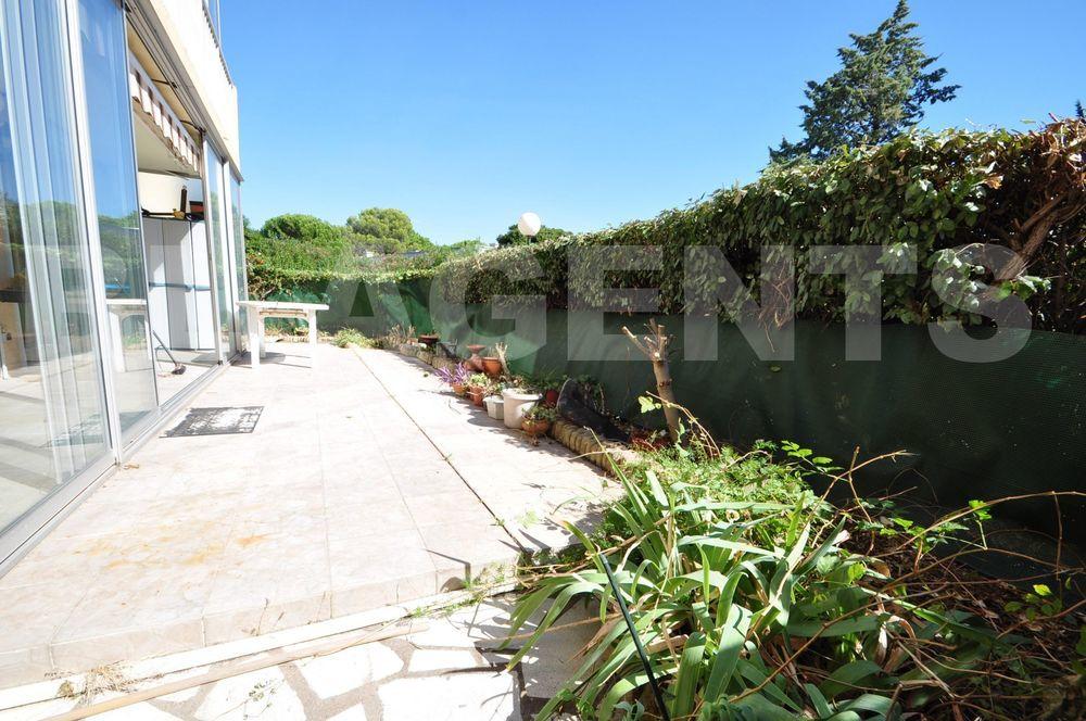 Vente Appartement Appartement  3/4 pièces avec jardin bien exposé  à Frejus