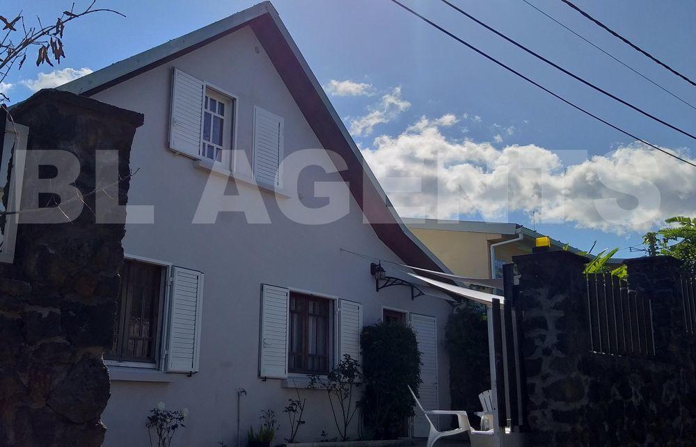 Maison - 6 pièce(s) - 170 m² 261000 Le Tampon (97430)