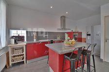 Manosque, Villa type 4/5 de 125 m2 rénovée avec goût proche toutes commodités. 242550 Manosque (04100)