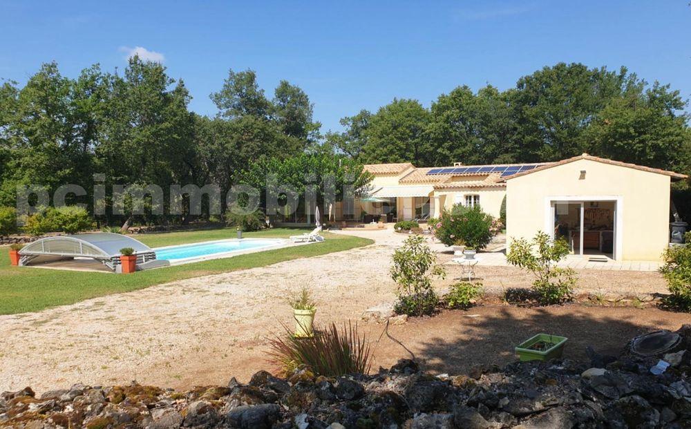 Vente Maison Villa Provençale, en excellent état, de plain-pied de 130 m² - 5P - 3 Ch. - Piscine - Terrain de 3700 m².  à Neoules