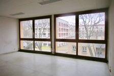 BUREAUX 126 m2 PLACE SAINT LAZARE DANS IMMEUBLE DE STANDING 3ème ETAGE AVEC ASCENSEUR 86400 84000 Avignon