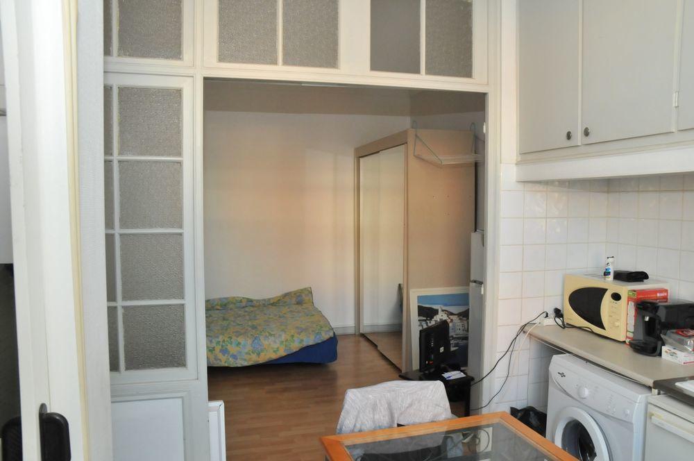 Vente Appartement STUDIO en coeur de ville de Saint-Raphaël à 3 mns de la plage et de la gare SNCF  à Saint-raphael