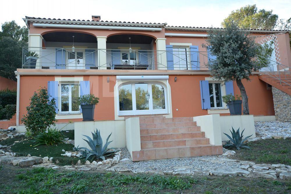 Vente Appartement Appartement 6 pièce(s) 150 m2  à Nimes