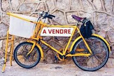 A VENDRE FONDS DE CYCLETS ET MOTORISÉS 53000