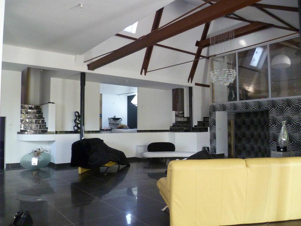 Vente Loft Loft 450m2 piscine intérieure et jaccuzzi  à Feurs
