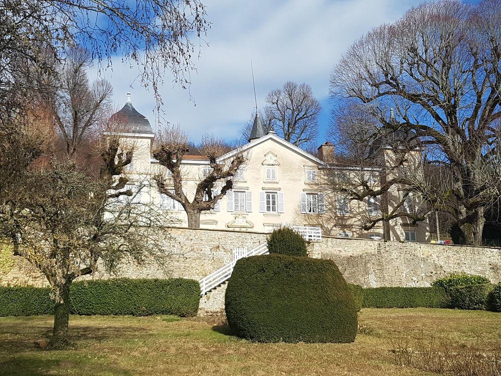 Vente Maison Bien d'exception accompagné de 40 hectares !  à St laurent de chamousset