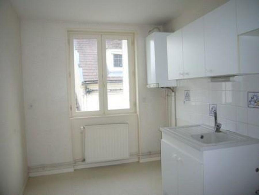 location Appartement - 3 pièce(s) - 75 m² Saint-Pourçain-sur-Sioule (03500)
