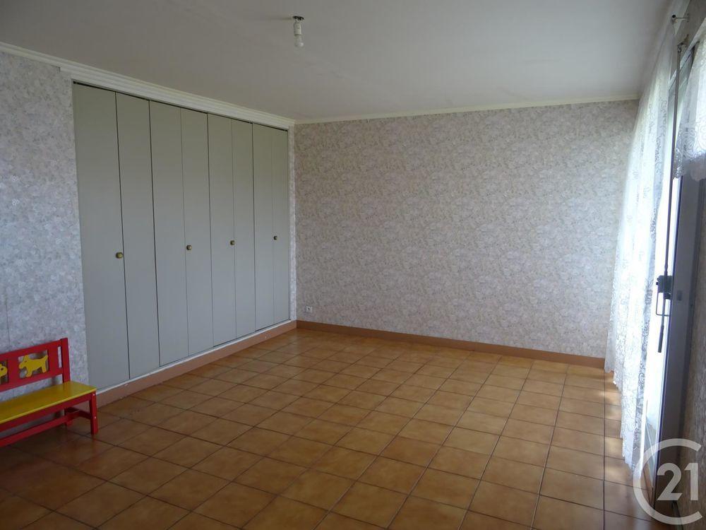 location Appartement - 3 pièce(s) - 65 m² Saint-Quentin (02100)