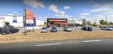 Locaux commerciaux - A LOUER - 614 m² non divisibles 6165