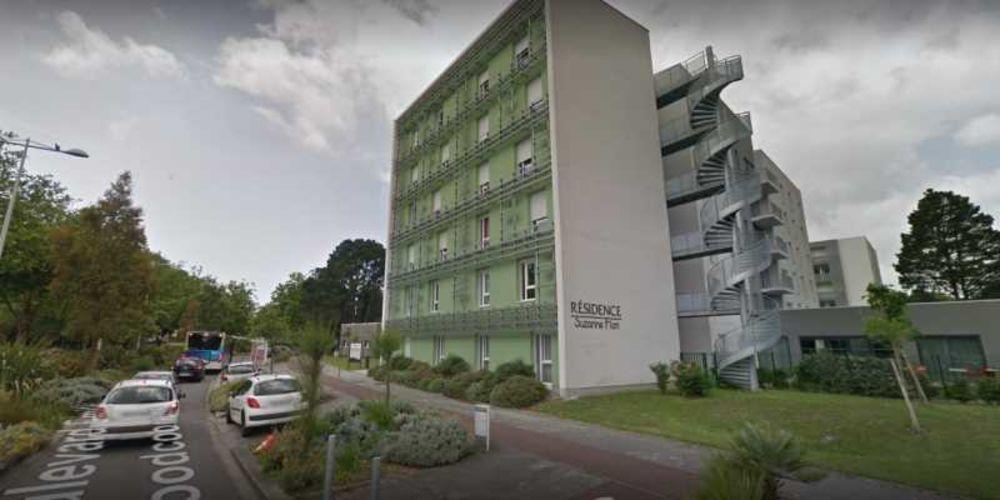 Locaux commerciaux - A VENDRE - 148 m² non divisibles