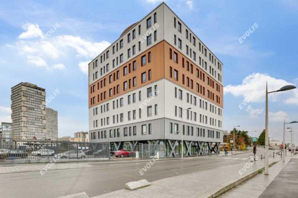 Bureaux - A VENDRE - 2 668 m² divisibles à partir de 333 m²