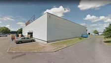 BATIMENT INDEPENDANT DANS ZONE COMMERCIALE - 1 581 m² non divisibles 13170