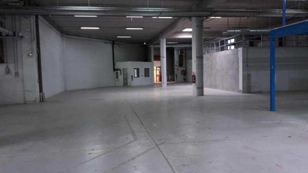 Locaux d'activité - A VENDRE - 1 240 m² non divisibles