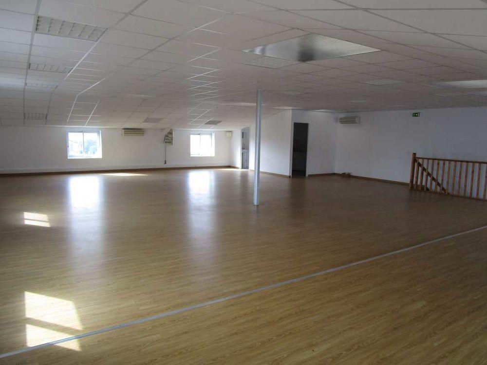 Bureaux - A LOUER - 224 m² non divisibles