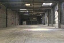 Bâtiment avec une belle hauteur et 2 quais - 1 248 m² non divisibles