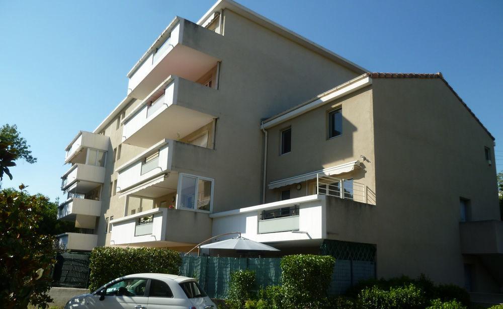 Vente Appartement Appartement  t3 +box+parking extérieur Marseille 15