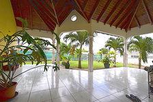 Villa T4 + mezzanine dans quartier résidentiel très beaux volumes 310000 Baie-Mahault (97122)