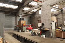 Bâtiments à usage artisanal, commercial ou stockage 77000