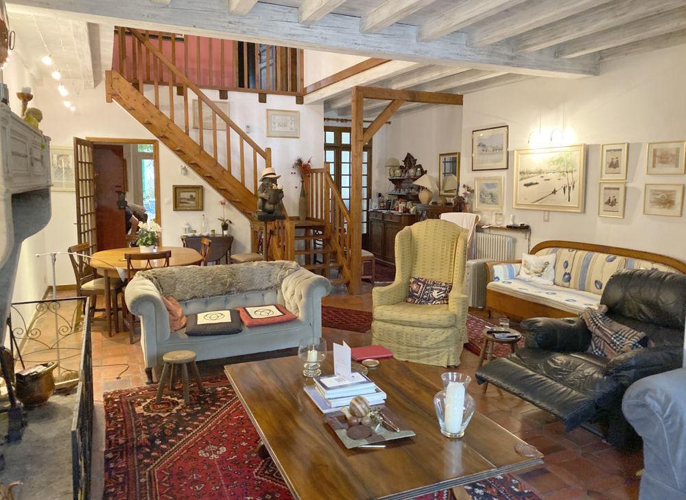 vente Maison - 6 pièce(s) - 240 m² Saint-Savinien (17350)