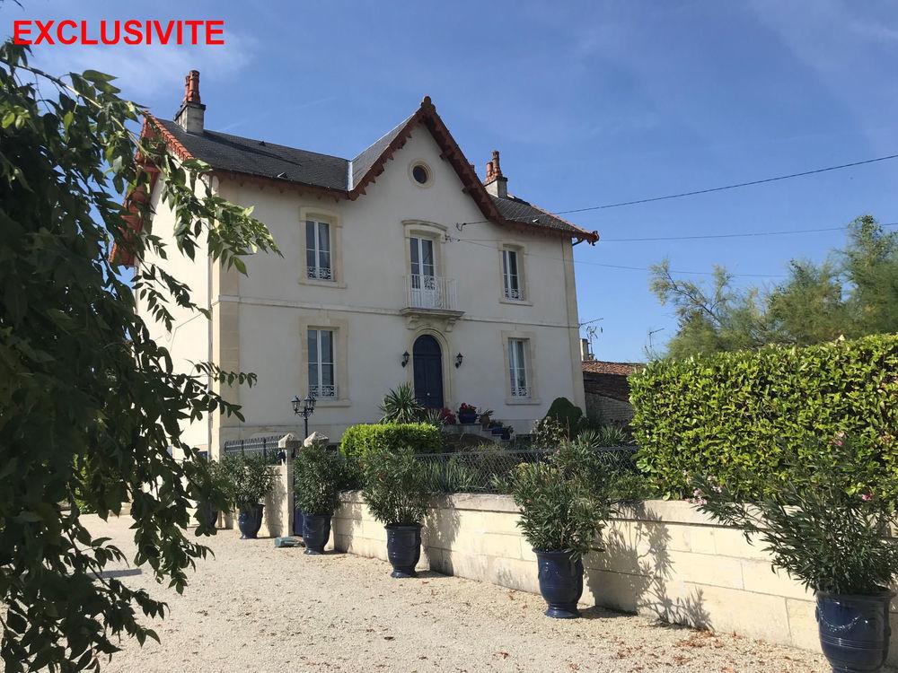 vente Maison - 10 pièce(s) - 428 m² Matha (17160)