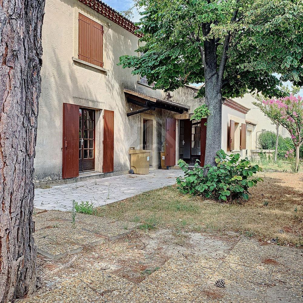 Location Maison Arles - A louer Maison T5 d'environ 153m2 Quartier Trébon  à Arles