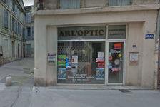 ARLES - A LOUER un local commercial d'environ 42 m2, dans une rue très passante 1300